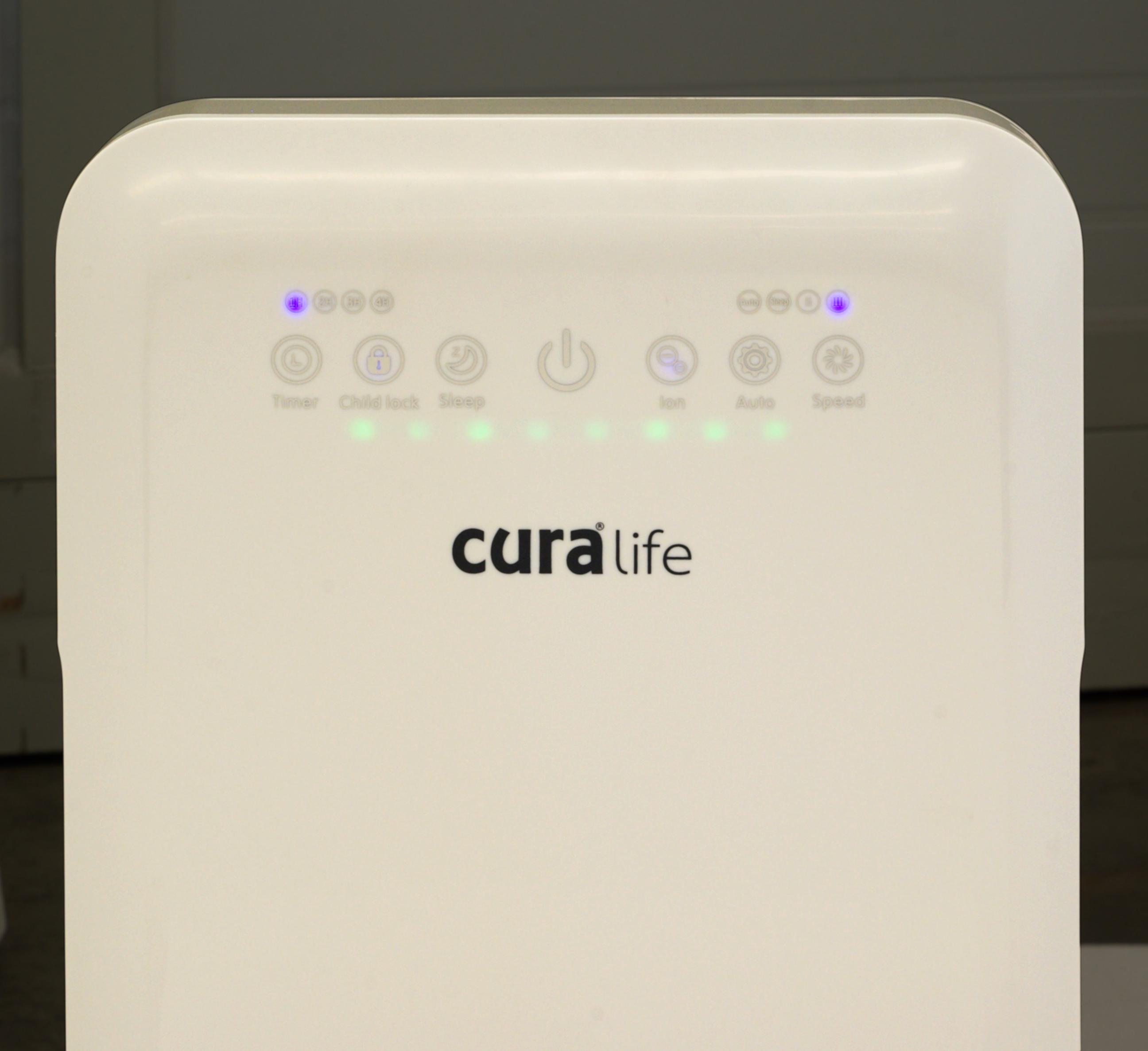 ปุ่มควบคุม และหน้าปัดไฟบอกสถานะการทำงานของเครื่องฟอกอากาศ CURA LIFE รุ่น M1 ที่สามารถดักจับฝุ่นละเอียดระดับ PM 2.5 ได้มากกว่า 99%
