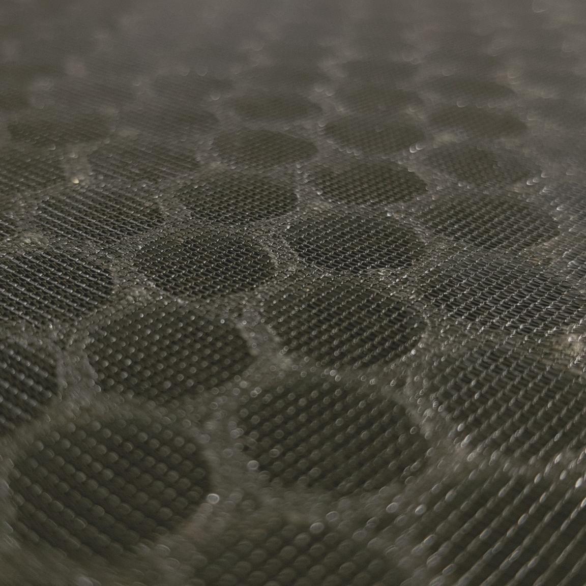 ไส้กรอง Activated carbon filter มีรูพรุนสูงจึงใช้ดูดซับสารละเหย และกลิ่นได้อย่างดี